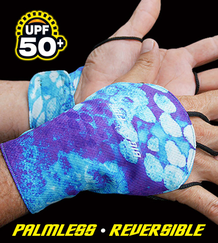 CamoscaleJade_Gloves_Lowres_A